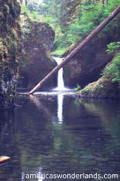 PUNCH BOWL falls - columbia river gorge oregon